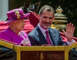 Al rey se le otorgará la máxima distinción concedida por la monarquía británica