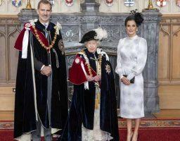 El rey acudió a la ceremonia junto a su mujer