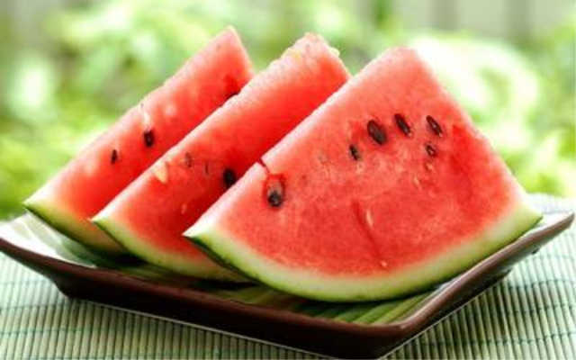 Los 10 alimentos que hidratan más en verano