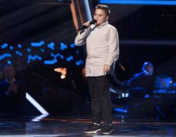 Chavito canta Cuando nadie me ve en La Voz Kids