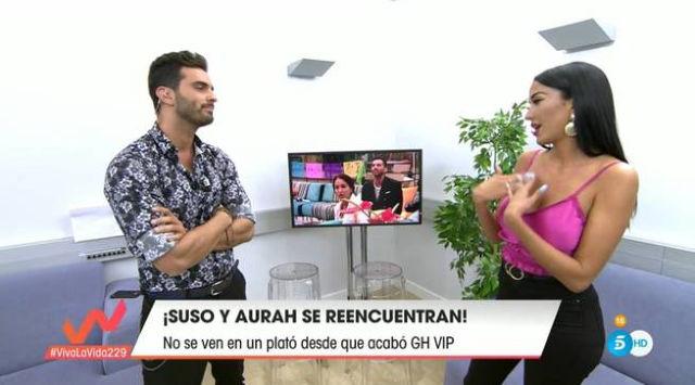 Suso y Aurah discuten en la sala VIP de Viva la vida