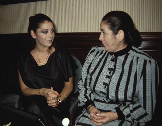 Una imagen de archivo de Isabel con su madre Ana Martin