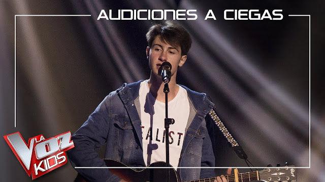 Marcos Balmori canta Lucha de gigantes en La Voz Kids