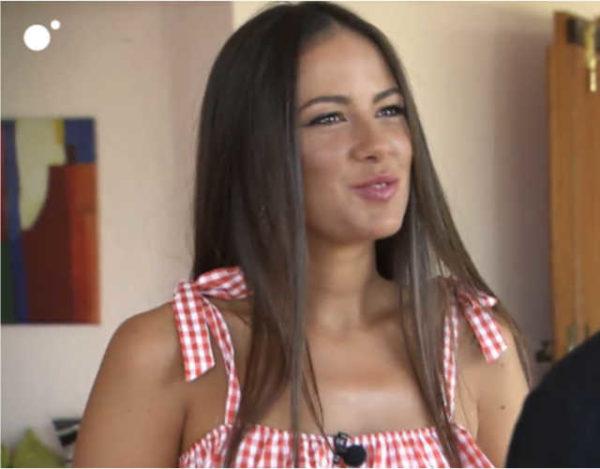 Melyssa muy ilusionada durante la cita con Alex