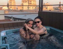 Mario y Alaska se casaronen una divertida ceremonia en Las Vegas