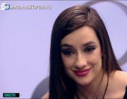 Alba muy sonriente tras la noche que ha pasado con Gianmarco