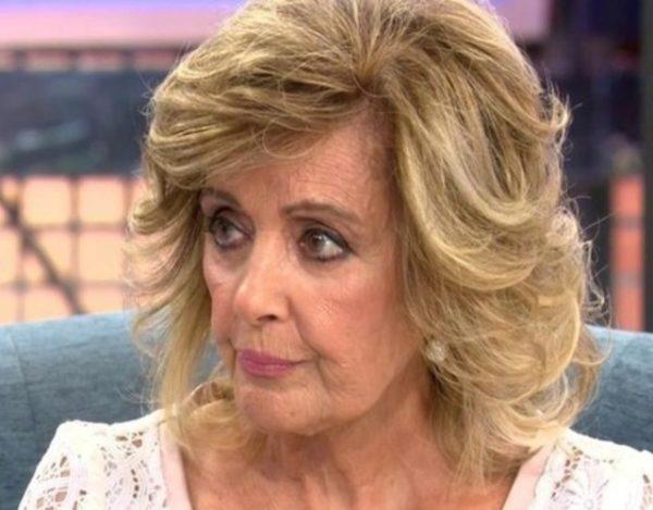 María Teresa Campos se sienta en Sálvame Deluxe